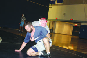 CCCAA state championships: Wrestling seeks title