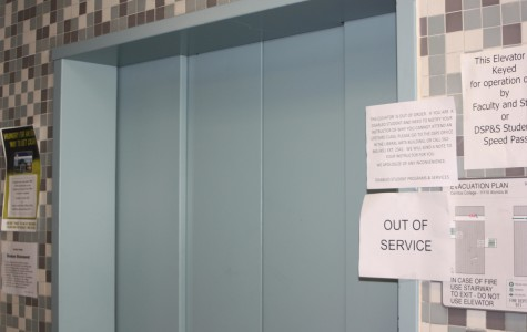 Broken elevator leaves students stranded