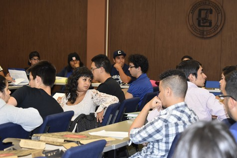 ASCC Senate holds unofficial meeting due to lack of agenda