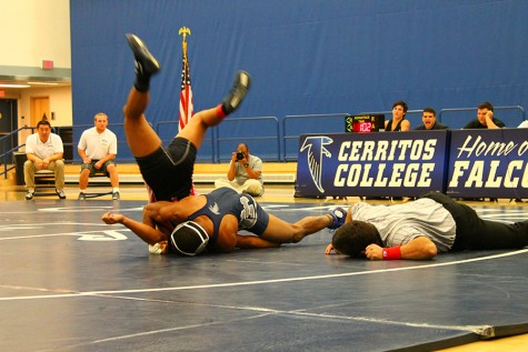 Wrestling team pries victory from Palomar