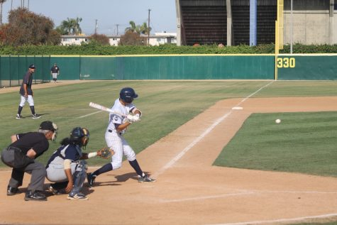 Baseball flounders in final series