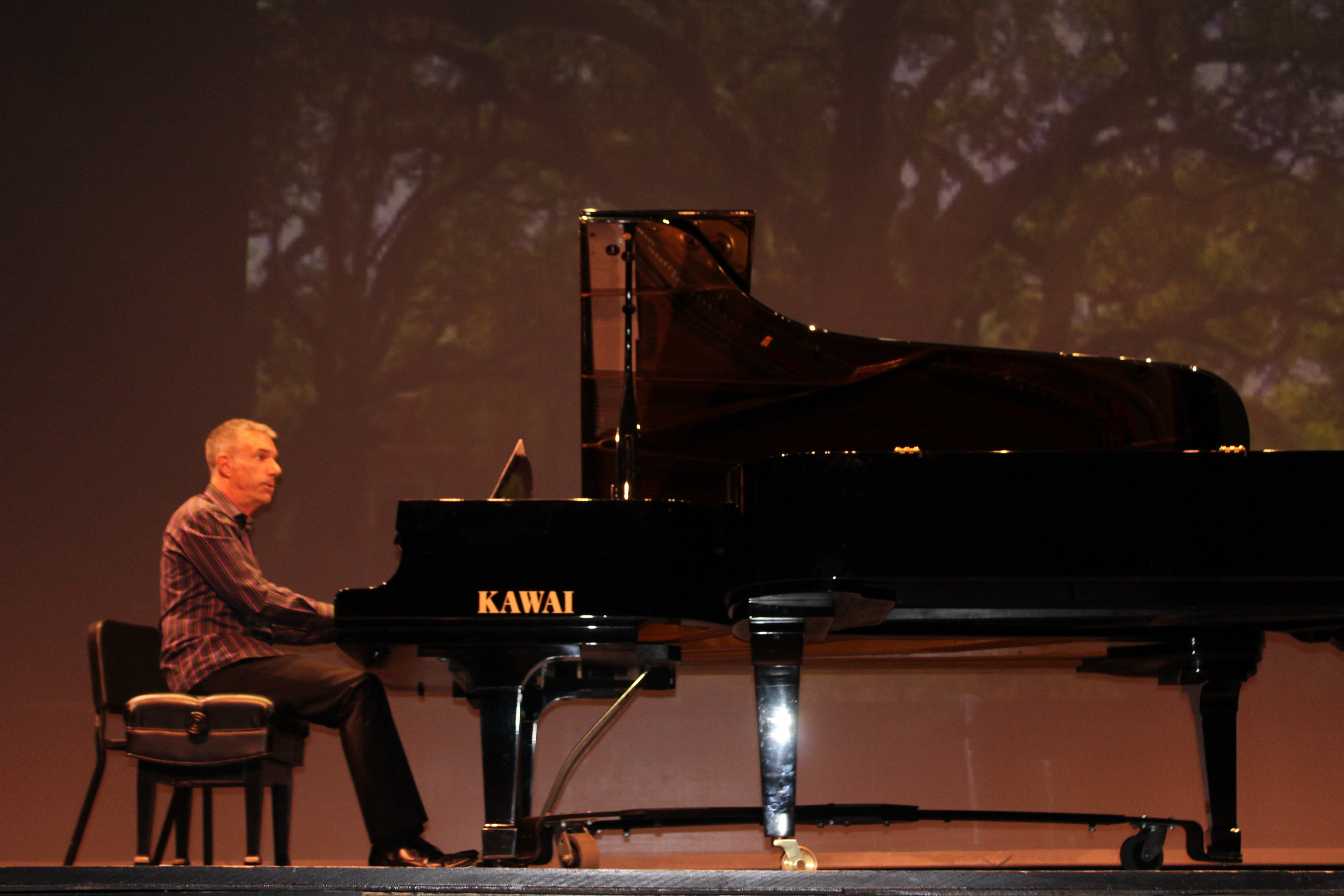 Two Long Beach pianists give workshop