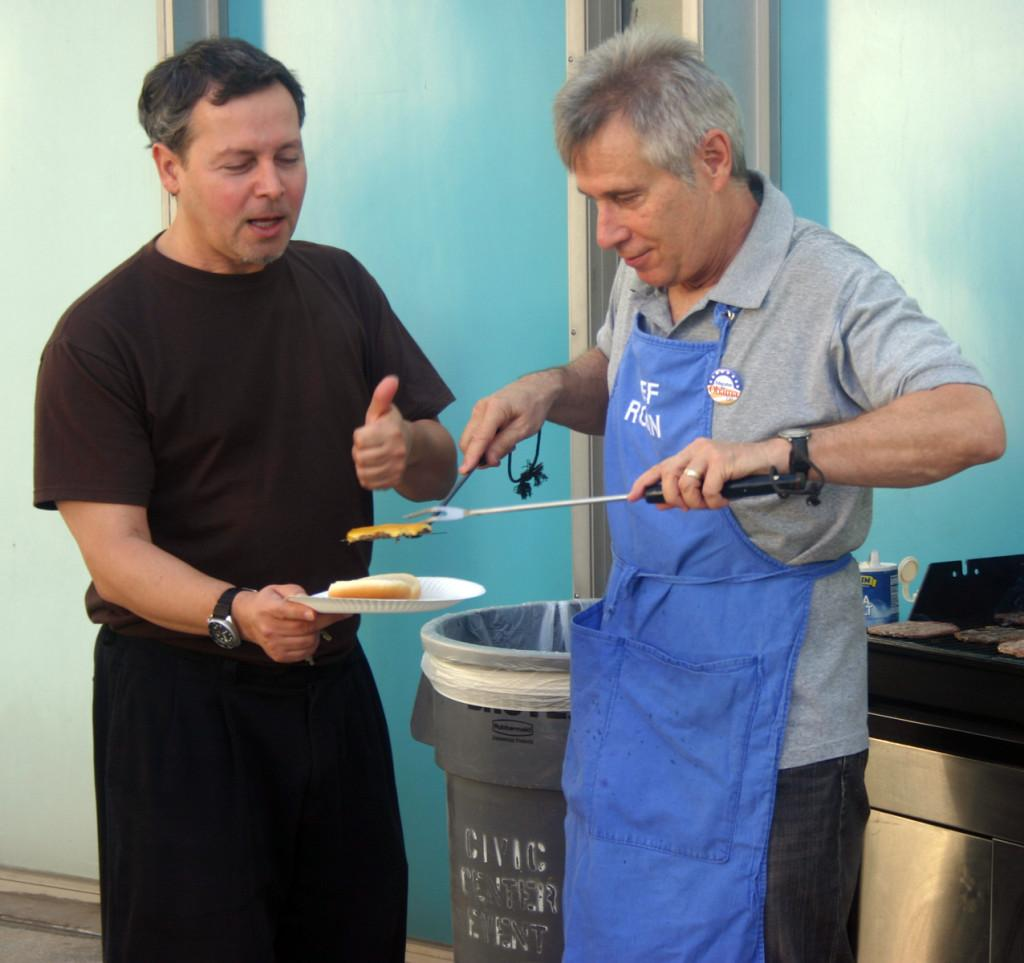 Theater hosts barbecue for students