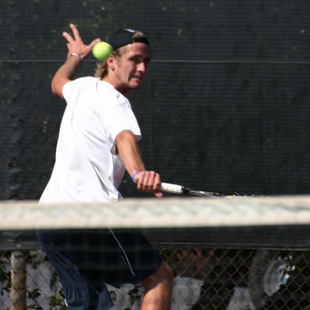 Men's tennis edges Mt. SAC