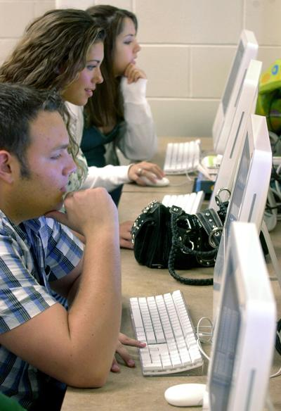 online classes continue to grow admist the budget crisis
