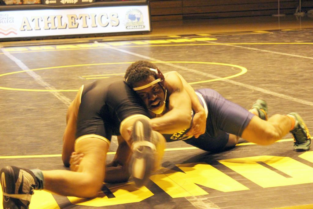 Cerritos College men's wrestling vs. Rio Hondo. One eighty four pounder Keith Nieves lost against Rio Hondo's Daniel Allen.