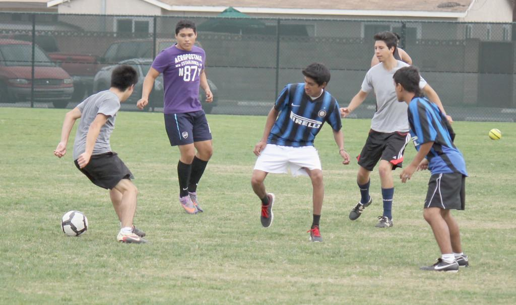 Triathlon Club hosted a club soccer tournament wherein four different clubs competed against each other. The event was held on friday, Nov. 19 at the Cerritos Facilities Field.