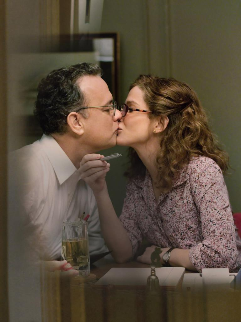 "(L-r) TOM HANKS as Thomas Schell and SANDRA BULLOCK as Linda Schell in  Warner Bros. Pictures' drama ""EXTREMELY LOUD & INCREDIBLY CLOSE,"" a Warner  Bros. Pictures release."
