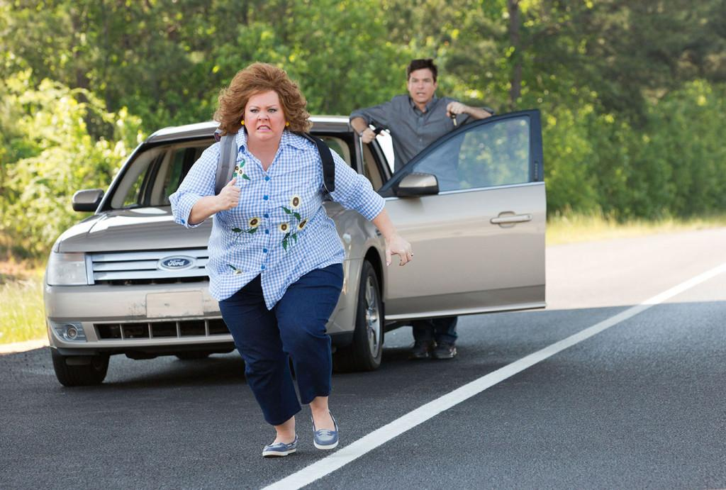 Melissa McCarthy stars as Sandy Patterson, a woman who has stolen Jason Bateman's character's identity. The movie opened at #1 at the box office with $34.5 million in its first weekend.