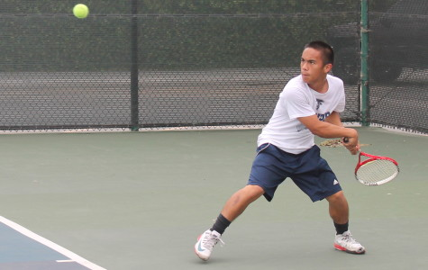 Jose Pacquing competing in his singles match-up, he would eventually lose 7-6, 6-4. Photo credit: Armando Jacobo