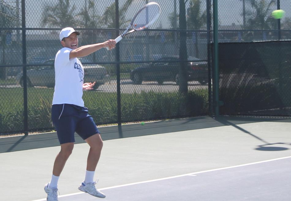 Milos Zoric in his singles match-up against Ventura College, he would eventually win 6-2, 6-1on Apr.1 Photo credit: Armando Jacobo