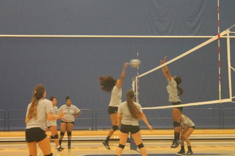 Volleyball going for a split record against Riverside
