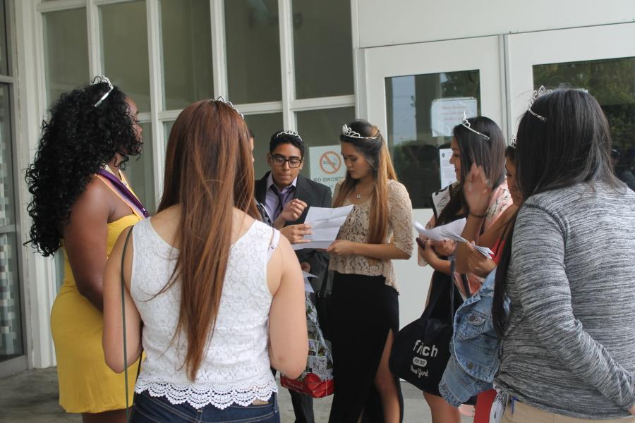 All the Homecoming candidates gathered outside the Social Science Building. The idea of Activity Night was to spread awareness about all Homecoming events this week. Photo credit: Julien Galvan