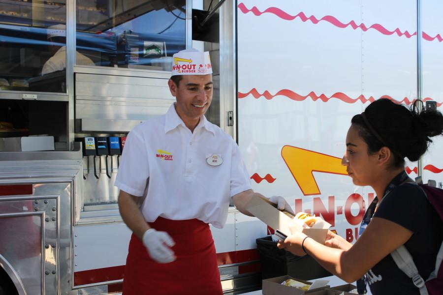 In-N-Out truck visits Cerritos College