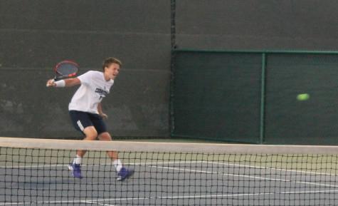 Men's tennis team back on track defeating Riverside