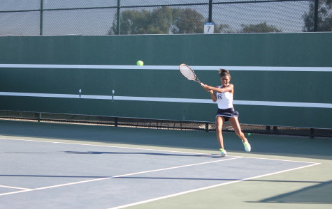 Women's tennis snap four-game win streak