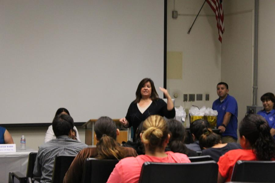 Director+of+Career+and+Assessment+Services+Terry+Lopez+speaks+about+the+employee+panel.+Students+and+faculty+received+insightful+information+about+the+hiring+process+Wednesday%2C+March+11.+Photo+credit%3A+Monica+Gallardo