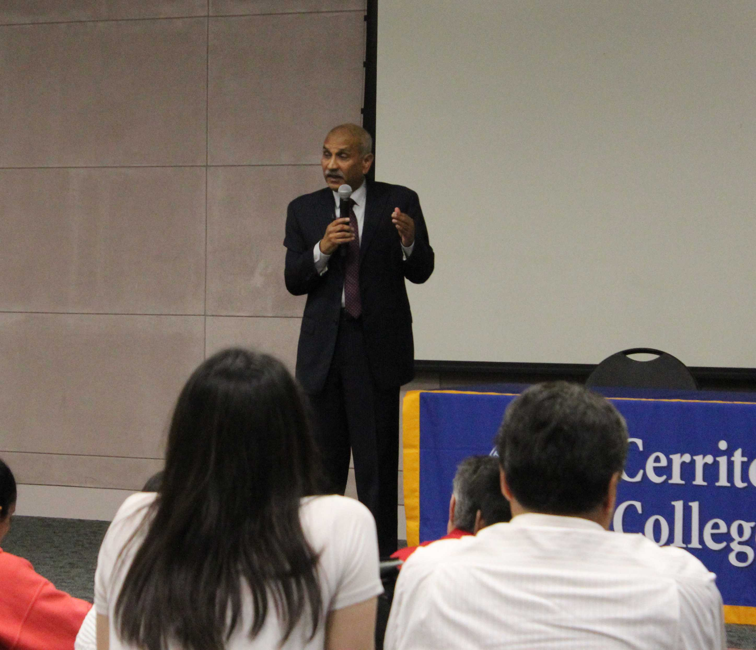Presidential candidate Dr. Rajen Vurdien spoke about his mission and experience on March 11 in the Teleconference Center. Elections have not yet started. Photo credit: Monica Gallardo
