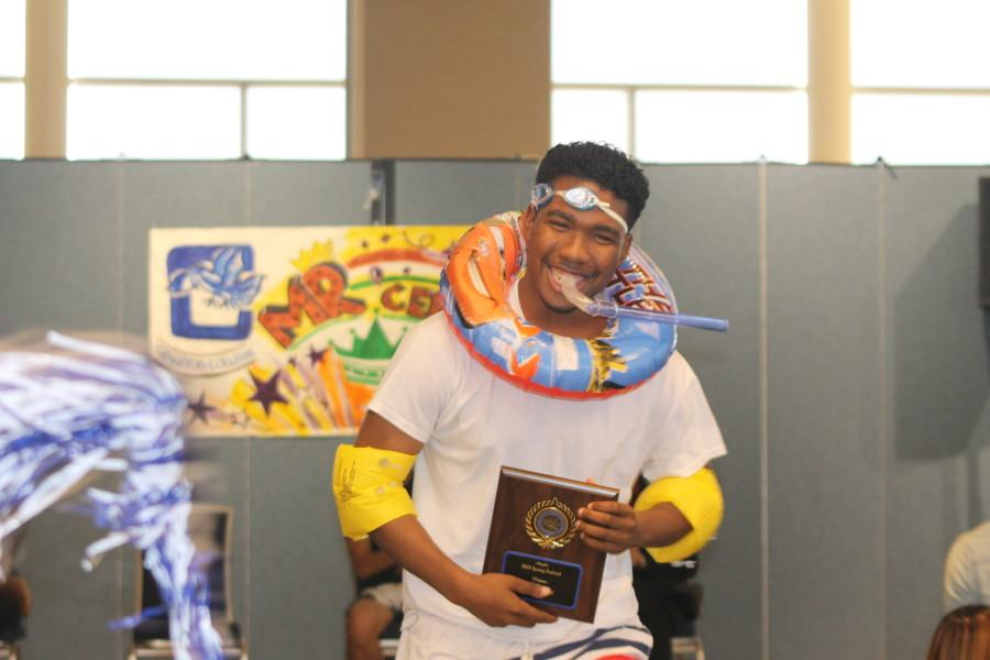 Ishmel Albert showcases his Mr. Cerritos award ath the Student Center on April 2, 2014. Photo credit: Armando Jacobo