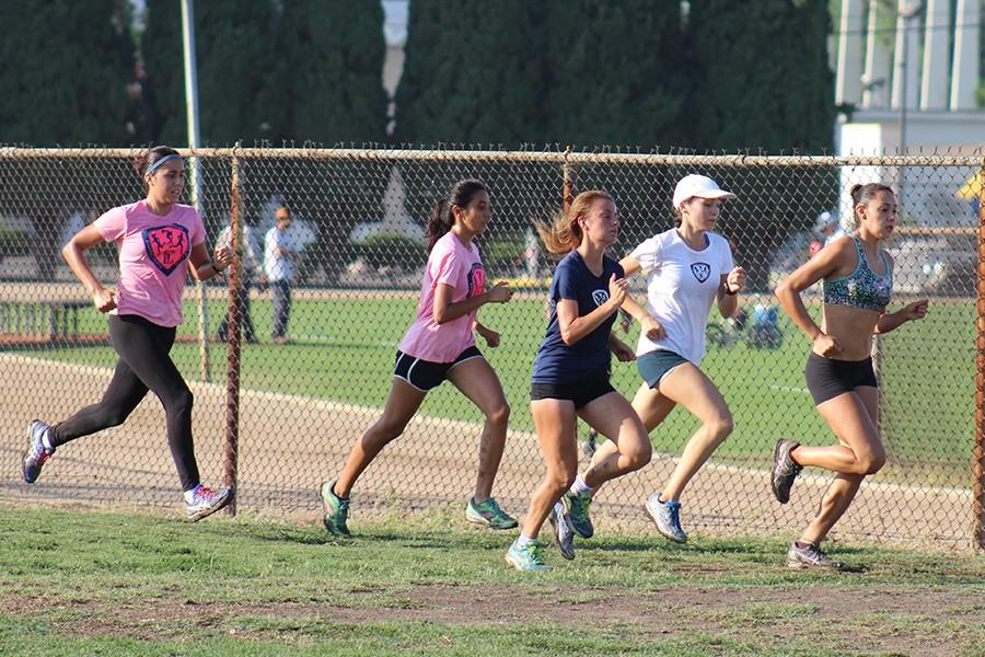 On+Friday+Aug.+28+the+women+cross+country+team+held+practice+at+Excelsior+Track.+The+women+open+their+season+on+Sep.5+at+the+Mark+Convert+Open.+Photo+credit%3A+Christian+Gonzales