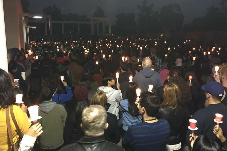 Hundreds horde the plaza on the east side of the USU building at Cal State Long Beach to gather in prayer. Photo credit: Armando Jacobo
