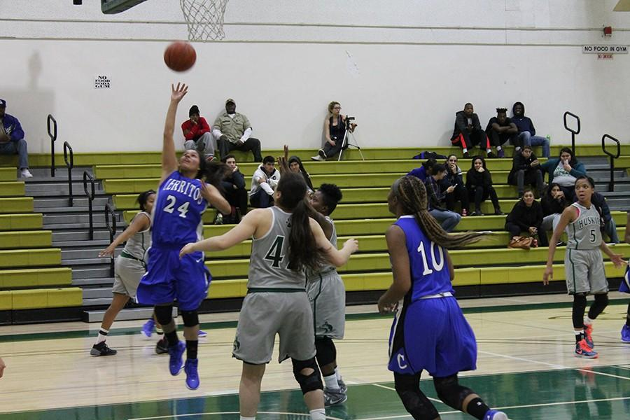 Clarissa Hernandez (#24) goes in for a layup. Hernandez finished with three points, three rebounds, two assists, and two steals. Photo credit: Taylor Ogata