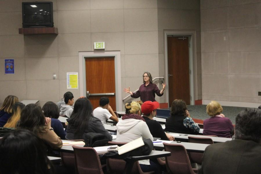 Professor Lardner, an English composition teacher held a lecture on how to improve education and student learning at community college. The meeting took place on Thursday,  Jan. 28