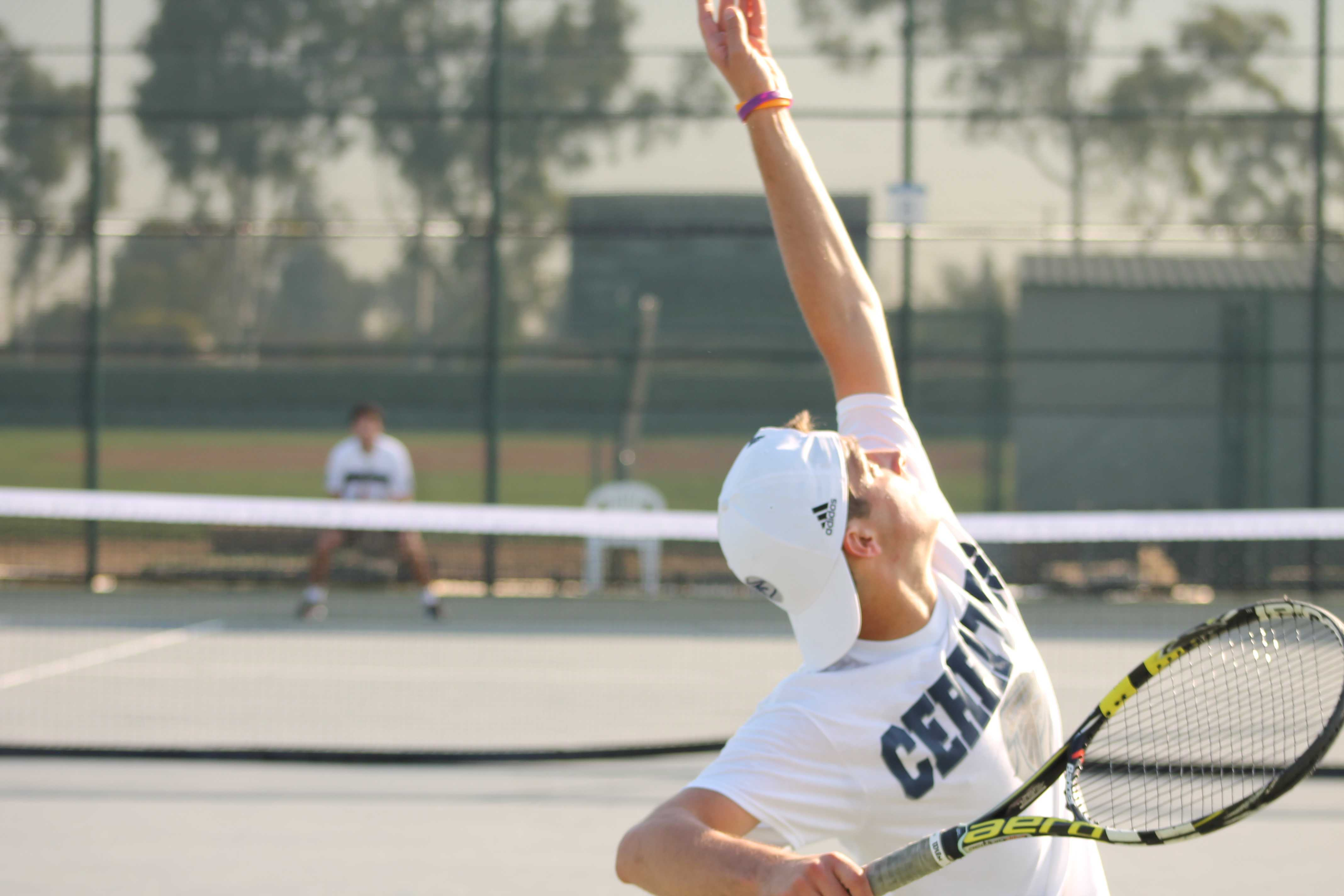 Men's tennis shines in season opener