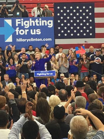 Clinton makes late rush into California ahead of primaries