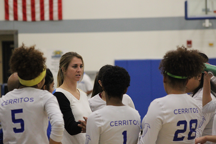 Head coach Kari Pestolesi addresses her team during a timeout of its season finale win over LA Harbor. She ended her first season as head coach 10-13.
