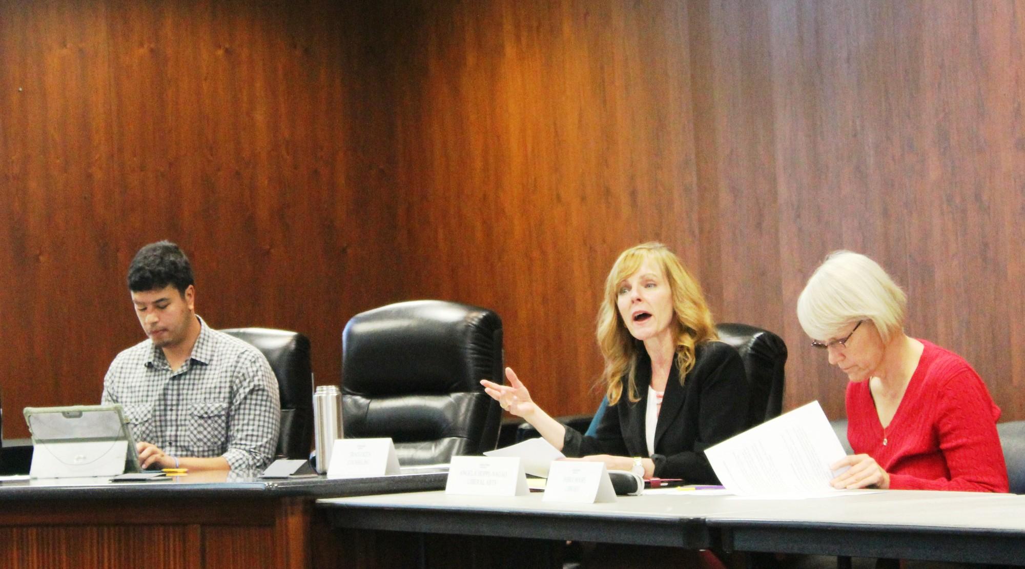 Faculty discuss hiring priorities