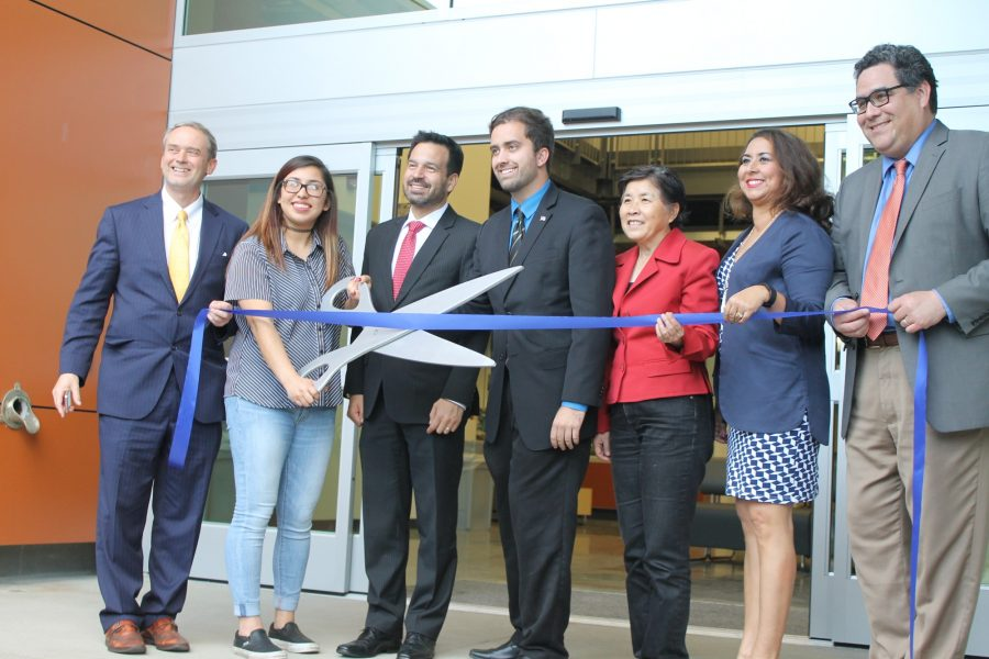 Dreamer cuts ribbon, grand opening well attended