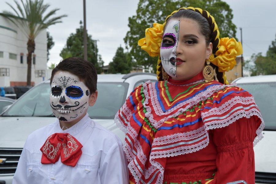 Passion Latina's twins Idar and Jessica Ramos come to life in a Día De Los Muertos Folklóricio dance event.