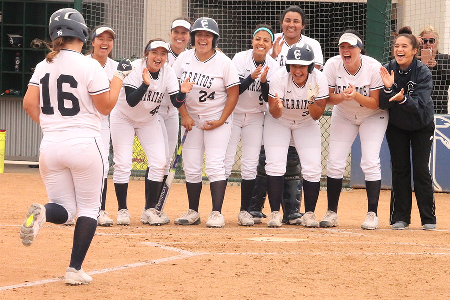 Cerritos powers past Citrus to advance to Super Regional Playoffs