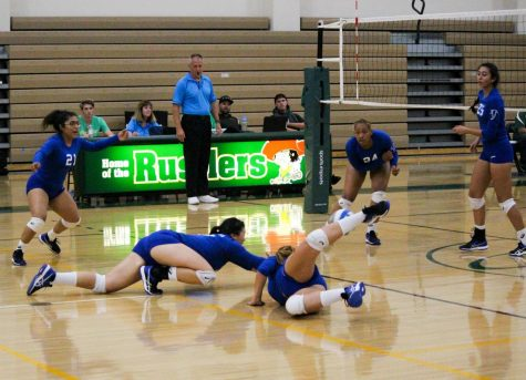 Women's volleyball team losing streak continues