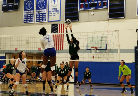 Women's volleyball lose another close game