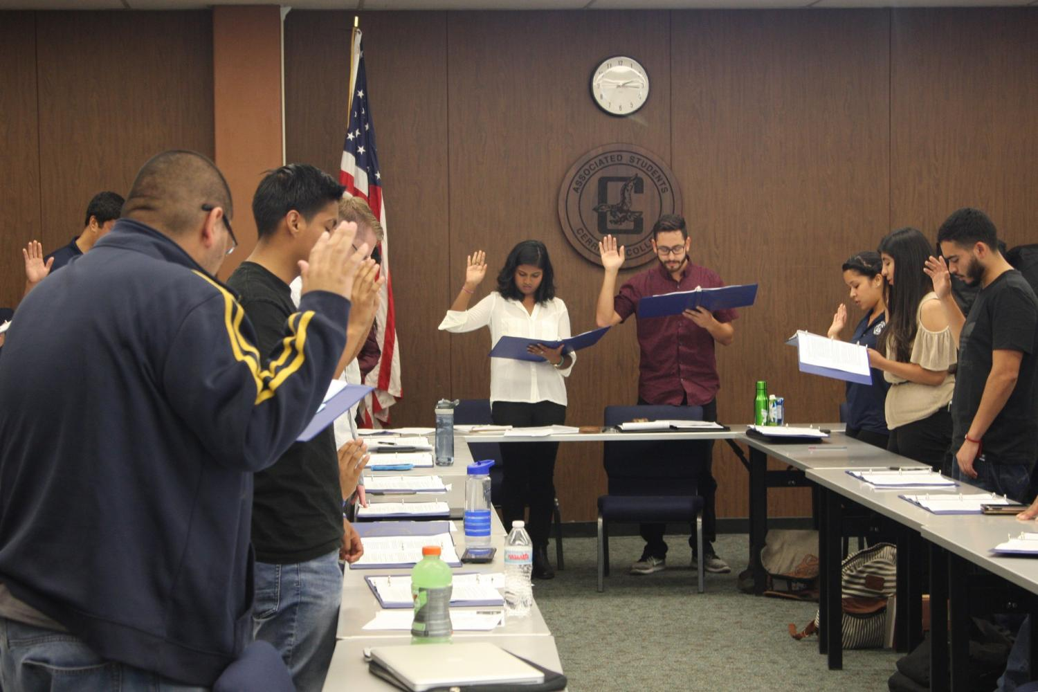 Newly elected senators being sworn in for the positions. This was the first ASCC senate meeting of 2017-2018. Photo credit: David Jenkins
