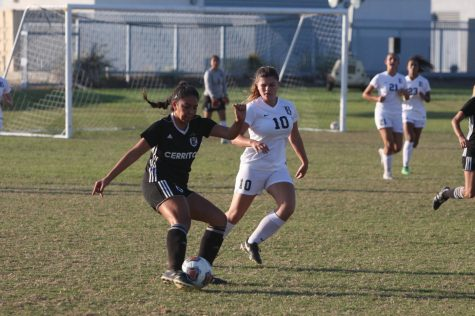 W. Soccer shuts out LBCC 2-0, seeding as no. 4 for playoffs