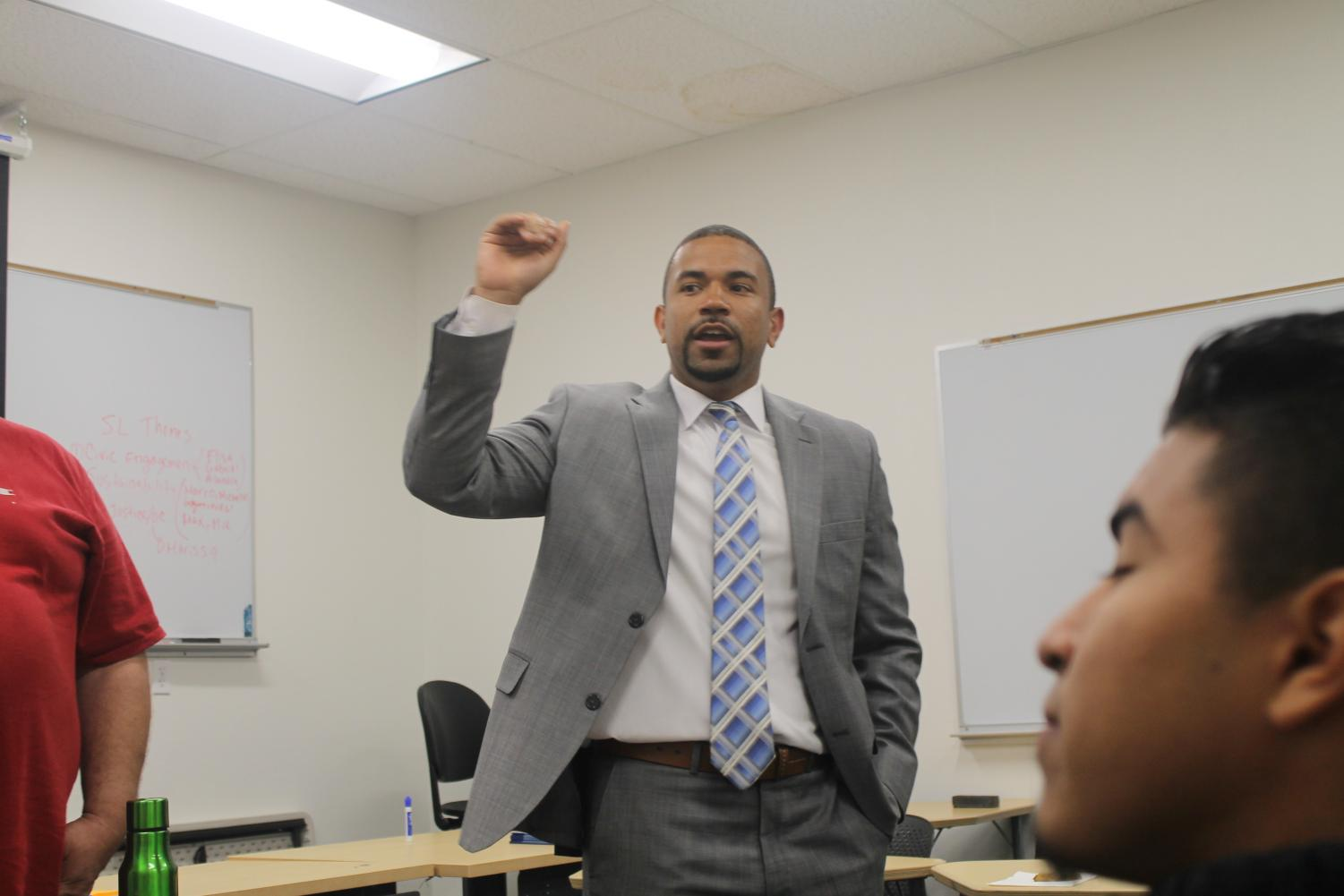Matt Smith lecturing about toxic masculinity on April 5. EmpowerMENt is a workshop that explored the cultural concepts of: masculinity, identifying barriers people of color face when seeking to transcend the traditional expectations of men and ways to reduce sexism and misogyny.