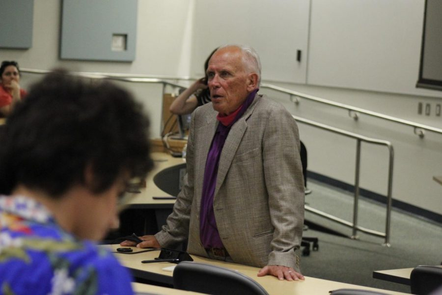 Dr.+Peter+Weller+during+the+Q%26A+part+of+his+lecture.+Weller+cleared+up+questions+on+art+perspective.