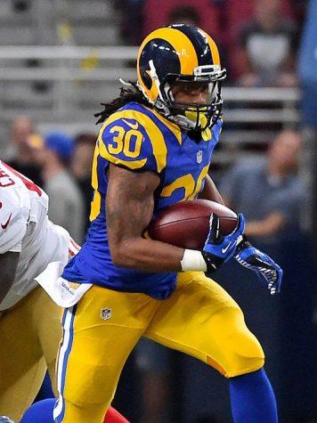 RB_Todd_Gurley_II_Rams,_2015.jpeg
