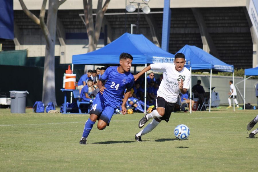 Freshman+midfielder%2C+No.+24+Carlos+Perez+helped+control+the+midfield+to+keep+the+opponent+scoreless.+Perez+sped+past+a+defender+to+create+a+play+for+the+Falcons+at+Cerritos+College+on+Sept.+7+against+Golden+West+College.
