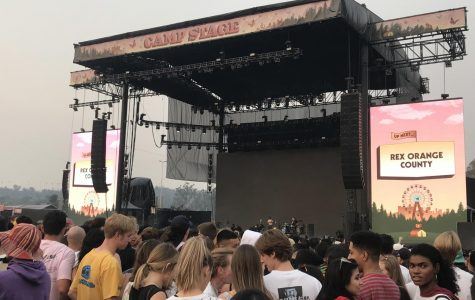 Fans anxiously waiting for upcoming artist, Rex Orange County. Photo credit: Marilyn Parra