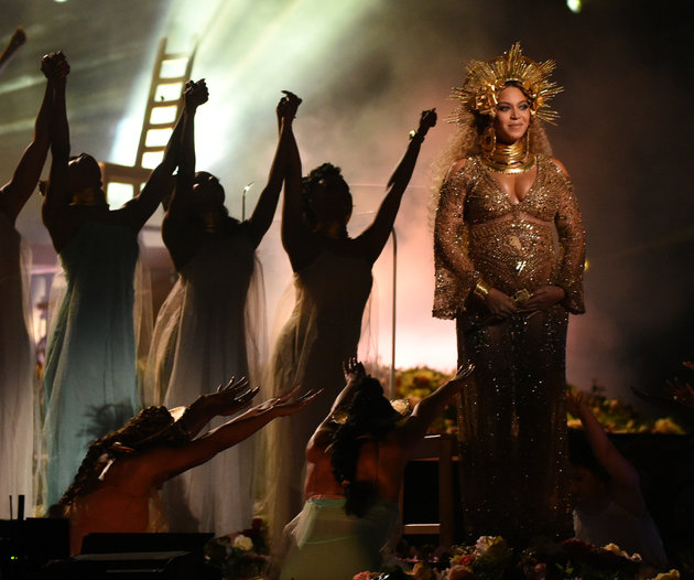 Beyonce+performs+as+she+is+pregnant+with+twins+during+the+59th+Annual+Grammy+music+Awards+on+February+12%2C+2017%2C+in+Los+Angeles.