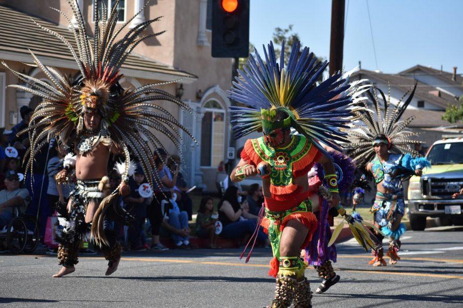Danza+Azteca+Huehueteotl+perform+on+Norwalk+on+Boulevard.