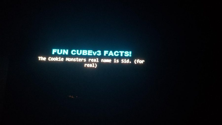 Before his set, Deadmau5 prepared his fans a few fun facts. The facts include about his cube v3 production, his friends, and just plain, random facts like this.