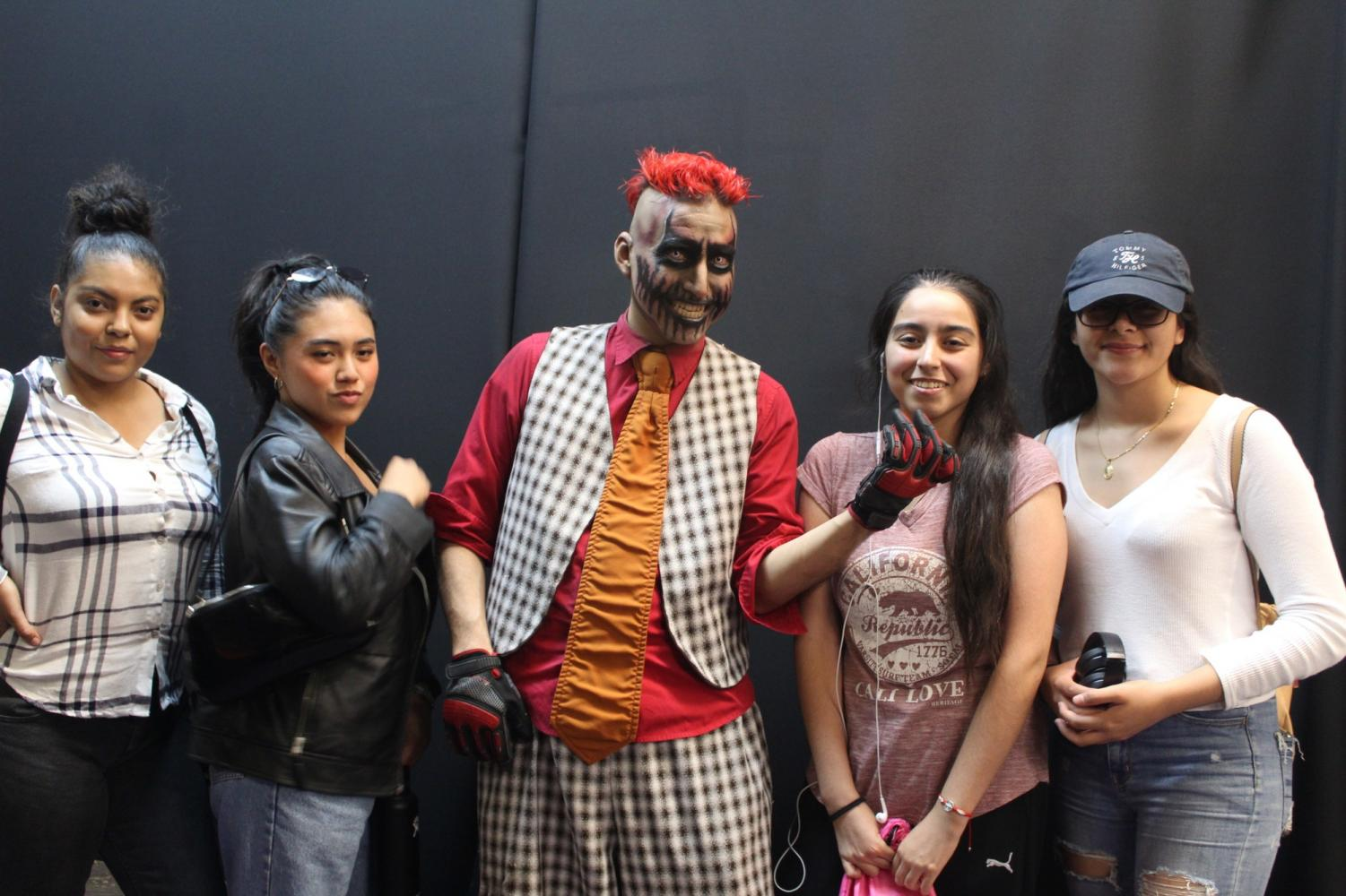 Knotts Scary Farm: Student were given the opportunity to get hands on experience with special makeup artists. Photo credit: Naila Salguero