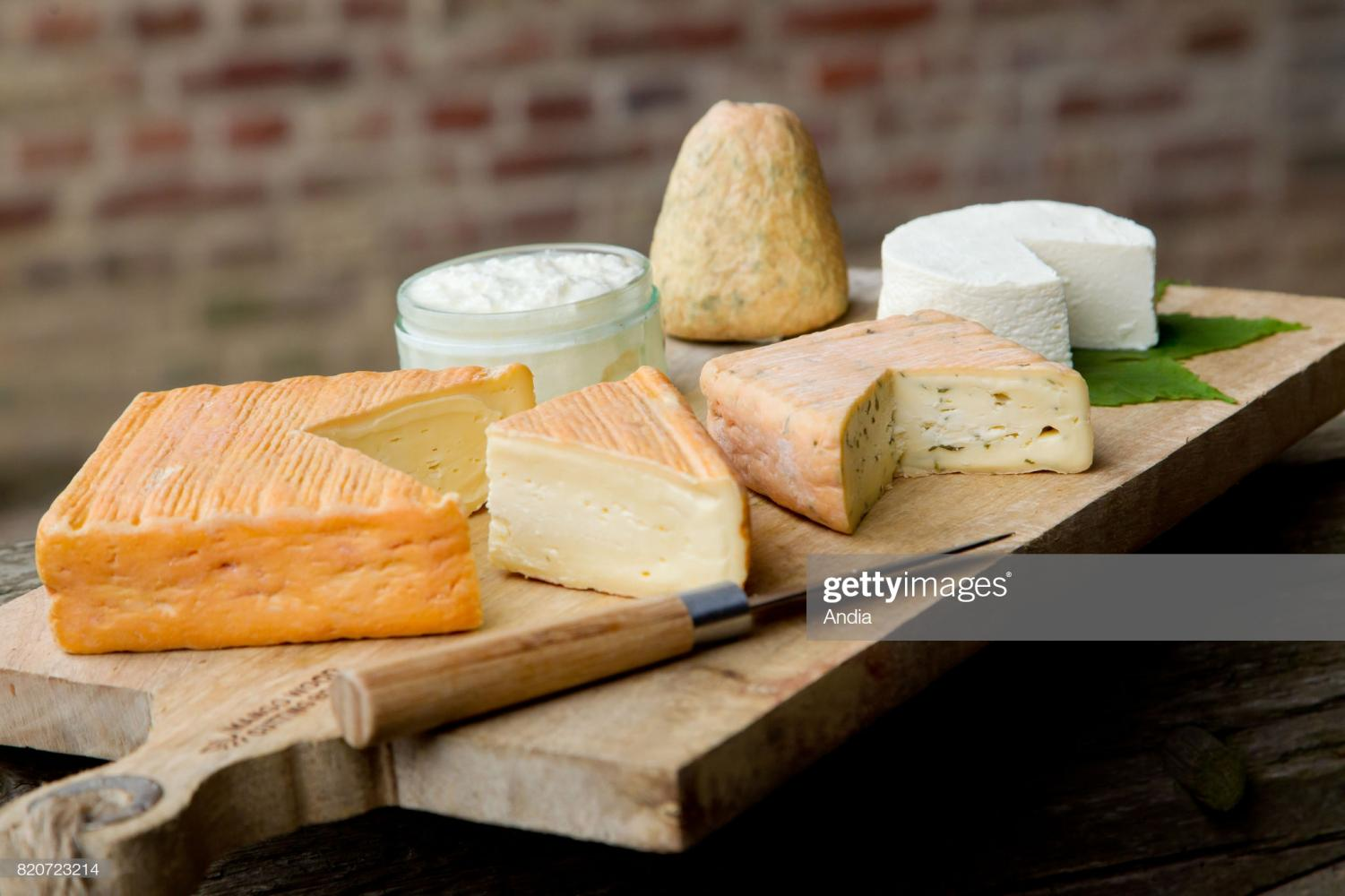 Cheese from northern France: cheese platter with Maroilles and Boulette du Nord.