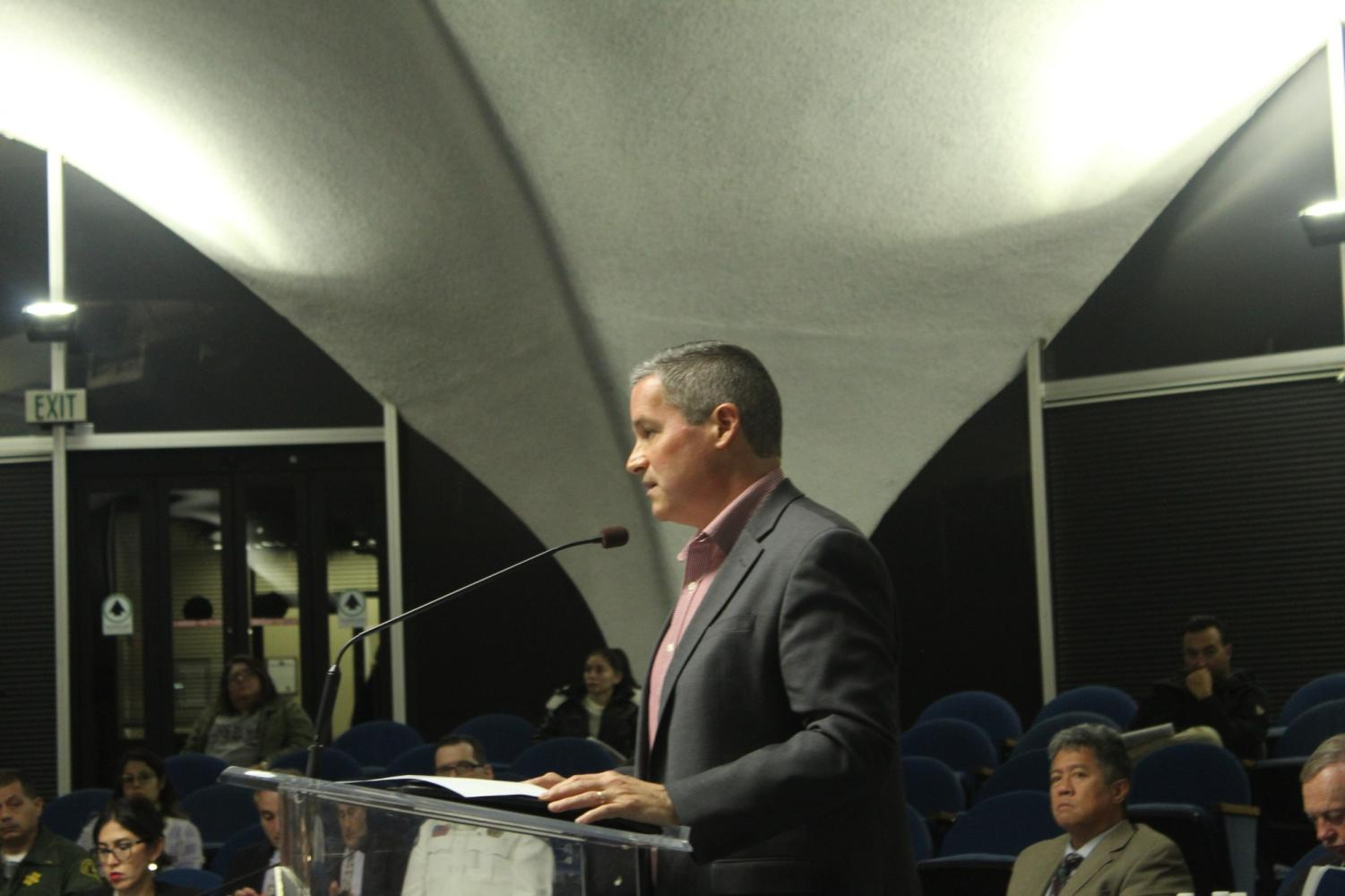 Here's Corey Autrey giving his view/voice on that matter. He dislikes the idea of the new wirless implementations and does not favor it. Photo credit: Oscar Torres