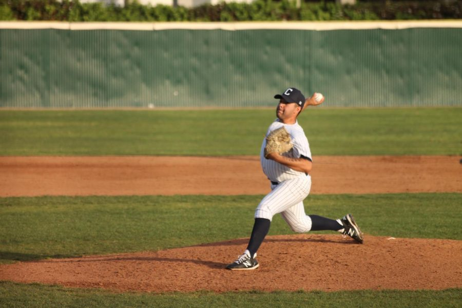 Starting+pitcher+sophomore+Nicholas+Martinez+pitch+for+6+innings+against+Los+Angeles+valley+Photo+credit%3A+Derrick+Coleman